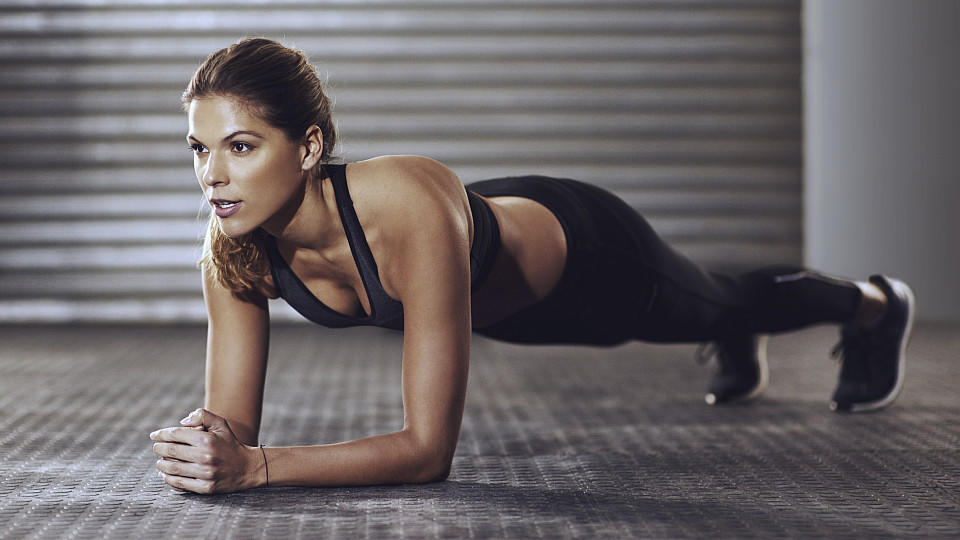 Plank – bài tập đơn giản được mọi đối tượng từ phòng gym tới công sở ưa thích