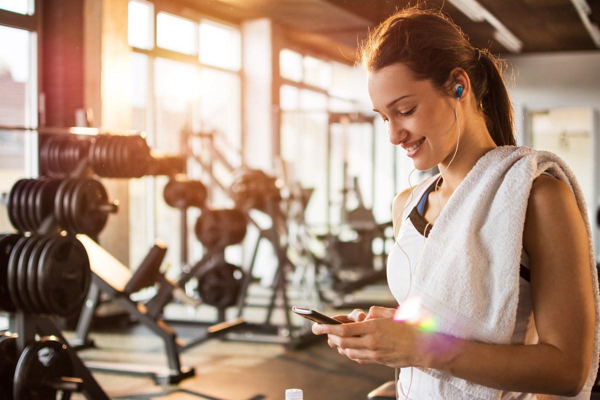 Top 7 lợi ích từ việc nghe nhạc khi tập gym