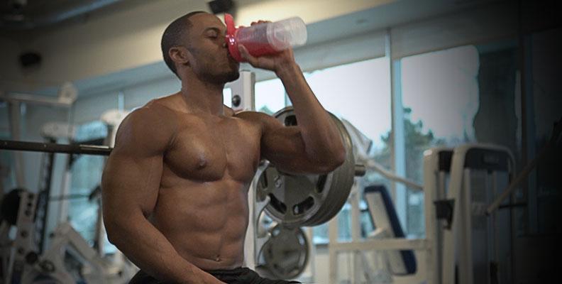 Tập gym uống bao nhiêu nước và nên uống những nước gì?