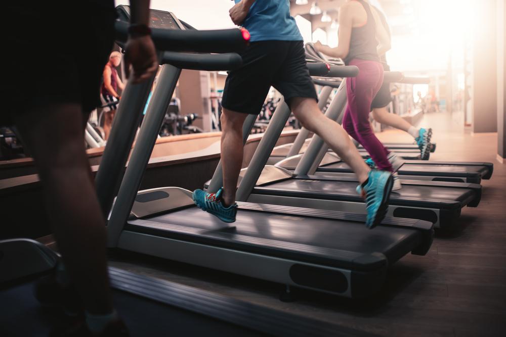 6 nguyên tắc nhất định bạn phải tuân thủ khi tập với máy chạy bộ