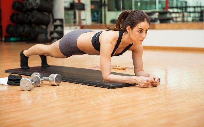 Giải đáp vấn đề: Tập gym với chân trần